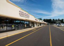 Pines Plaza Shopping Center: Wine & Spirits