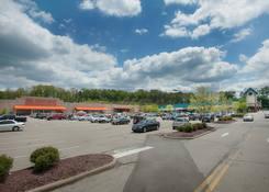 Shoppers Plaza Shopping Center: 130430 Union ShoppersPlaza 02