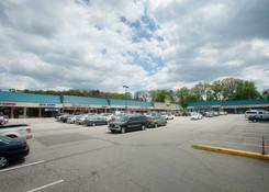 Shoppers Plaza Shopping Center: 130430 Union ShoppersPlaza 04
