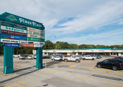 Pines Plaza Shopping Center: Entrance