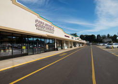 Pines Plaza Shopping Center: Wine & Spirits