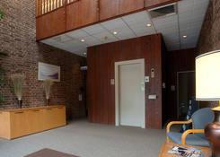 6000 Babcock Boulevard Offices: Lobby