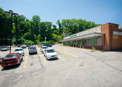 Browns Hill Road Shopping Center: 130430 Union BrownsHillCenter 06